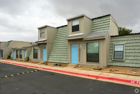 Photo of 928 Waco St, Colorado City, TX 79512