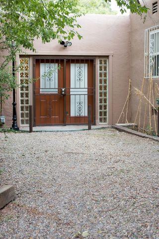 Photo of 2717 Mc Earl Ave Se, Albuquerque, NM 87106