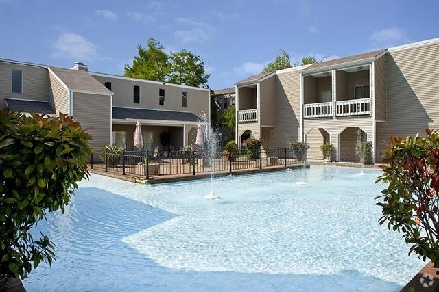 Sunlake Apartments 800 Joe Yenni Blvd Apartment For Rent Doorsteps