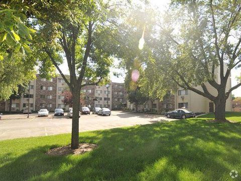 1510 Mainstreet, Hopkins, MN 55343