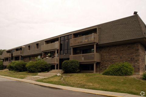 801 Burr Oaks Dr, West Chicago, IL 60185