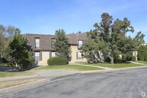 Photo of 8701 Chestnut Cir, Kansas City, MO 64131