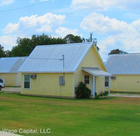 Photo of 403 Free Timber Ln, Stockdale, TX 78160