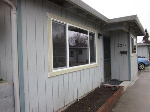 221 Hall St, Santa Cruz, CA 95062