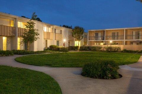 1450 Creekside Dr, Walnut Creek, CA 94596