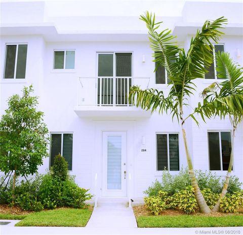 Photo of 2621 Ne 212th Ter, Miami, FL 33180