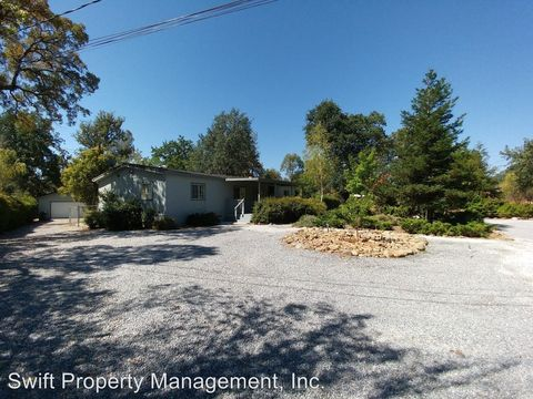 18579 Old Oasis Rd, Redding, CA 96003