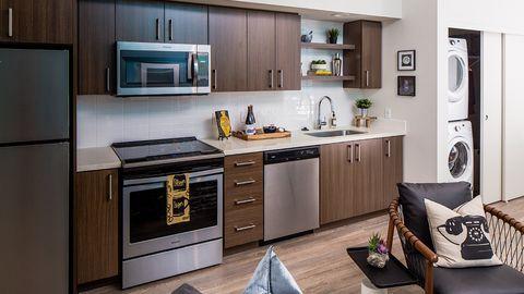 685 Se Belmont St, Portland, OR 97214. Apartment For Rent