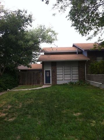 Photo of 2 Cherrywood Sq, Canyon, TX 79015