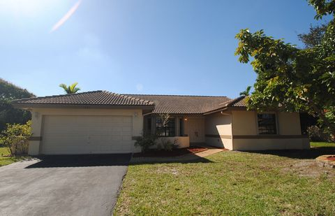 Photo of 2320 Nw 115th Dr, Coral Springs, FL 33065