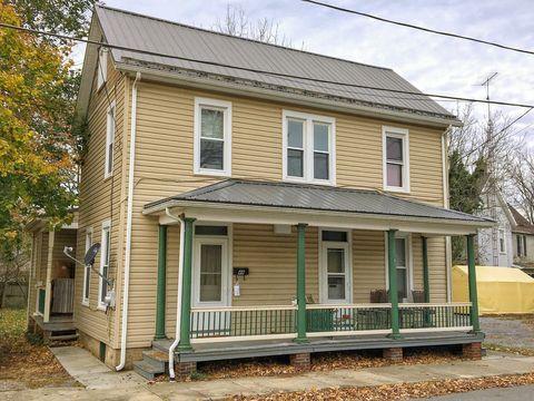 Photo of 48 N Fayette St # 48, Mercersburg, PA 17236