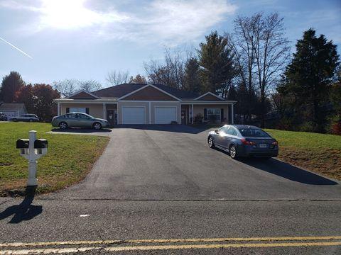 Photo of 325 Falling Branch Rd, Christiansburg, VA 24073