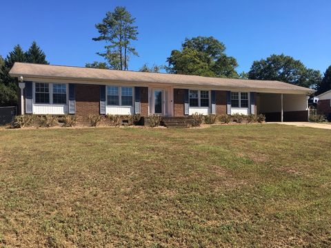 Photo of 4 Dickens Ln, Taylors, SC 29687