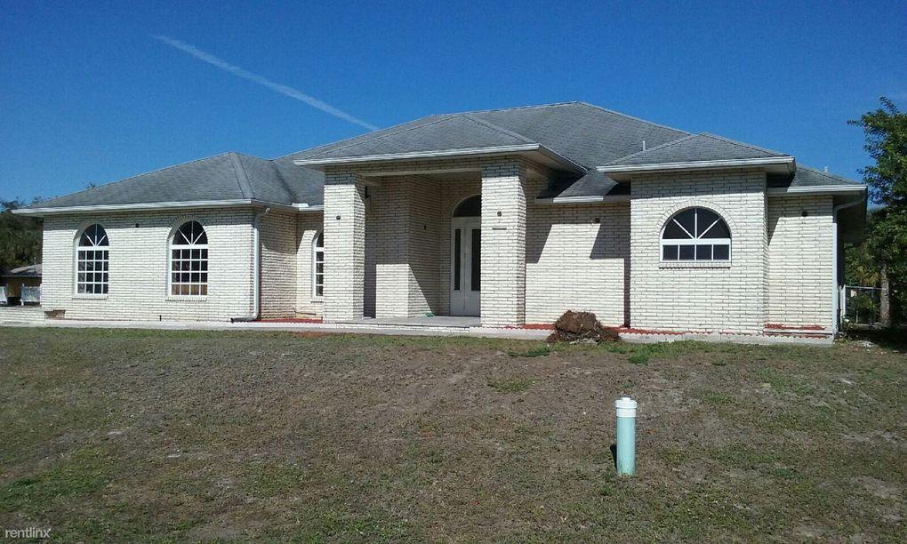 1802 Golfside Village Dr, Lehigh Acres, FL 33936