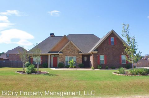13 Sweetwater Park Dr, Fort Mitchell, AL 36856