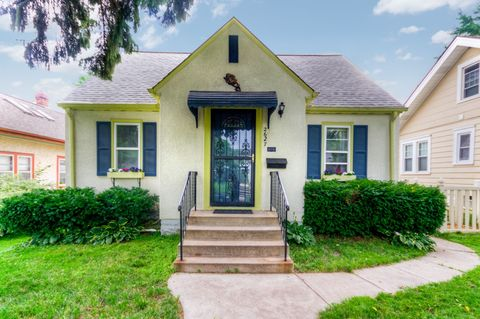 Photo of 2627 Ne Mc Kinley St, Minneapolis, MN 55418