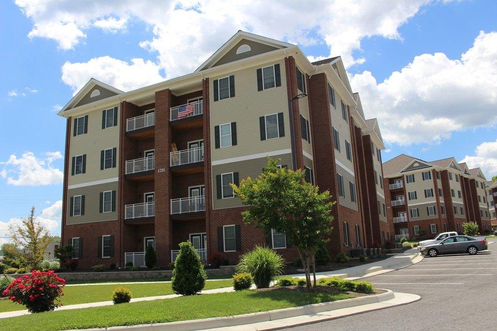 Apartments Near Radford College Student Apartments