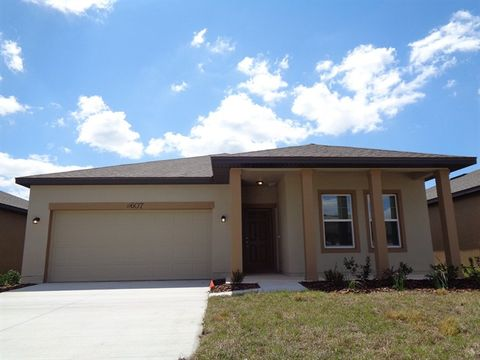 Photo of 11607 Pace Bend Ct, Gibsonton, FL 33534