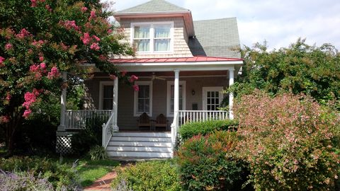Photo of 102 Eastern Ave, Annapolis, MD 21403