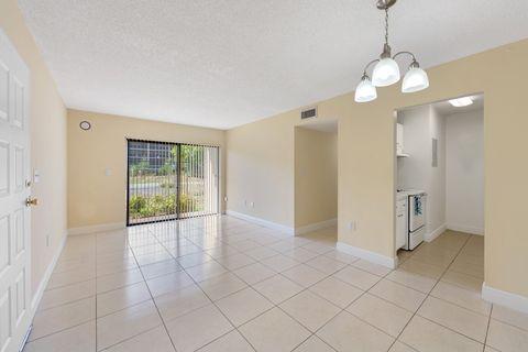 Photo of 361 Ne 191st St, Miami, FL 33179