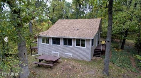 5718 Joslin Lake Dr, Gregory, MI 48137