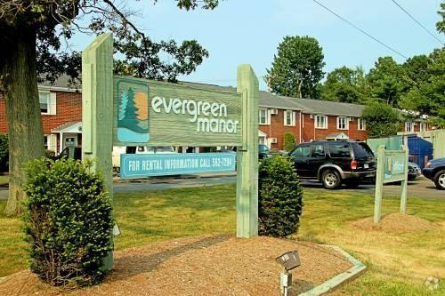 Evergreen Manor Apartments