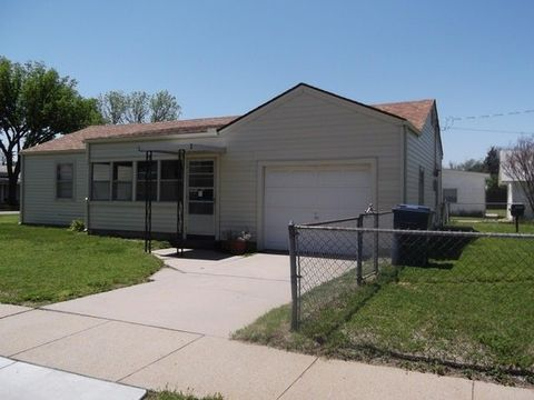 Photo of 601 Cochran St, Hutchinson, KS 67501