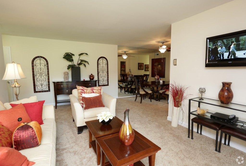 Oakton Park Apartments