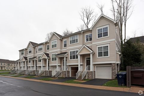 1120 Teaberry Ln, State College, PA 16803