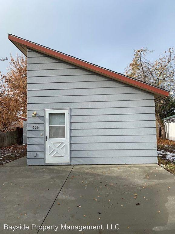 506 3rd St W, Polson, MT 59860