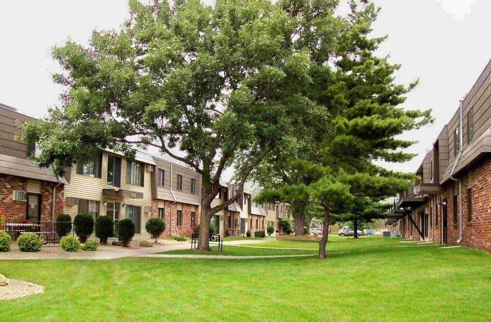 The Willows Apartments Brooklyn Park Minnesota