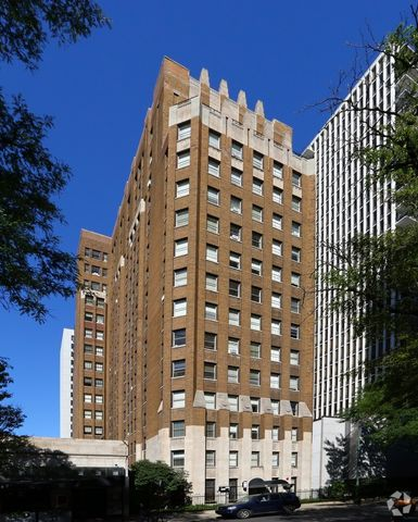 Photo of 1220 N State Pkwy, Chicago, IL 60610