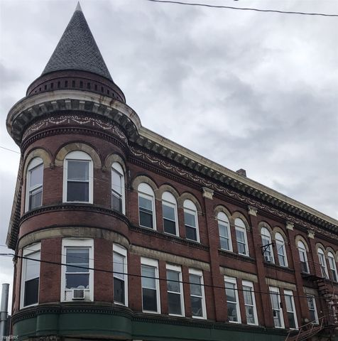 Photo of 103 W Lincoln Ave, McDonald, PA 15057