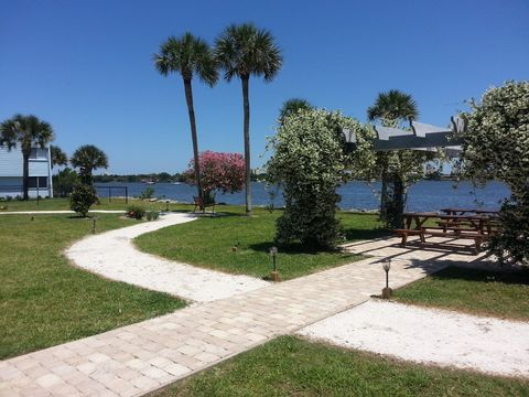 Photo of 1025 S Beach St, Daytona Beach, FL 32114