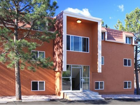 Photo of 919 N 19th St, Colorado Springs, CO 80904