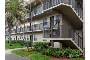 Photo Park Plaza 17600 Nw 5th Ave Miami Fl 33169