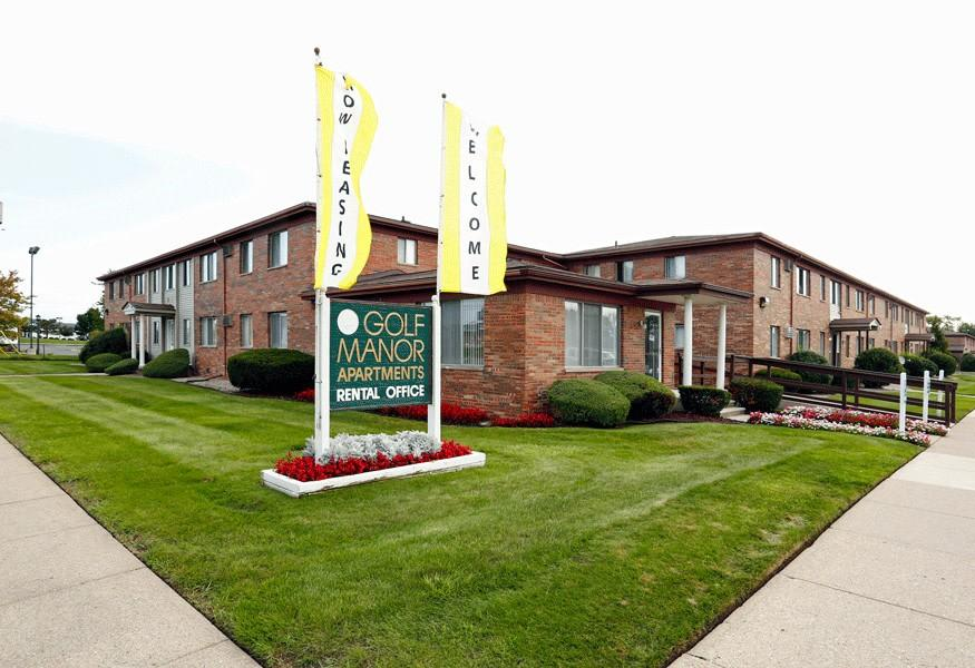 Golf Manor Apartments