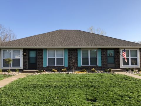 Photo of 1506 Sw Sunset Ave, Blue Springs, MO 64015