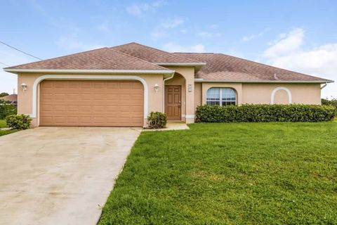Photo of 921 Nw 3rd Pl, Cape Coral, FL 33993