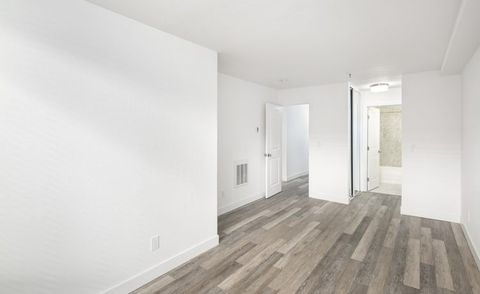Photo of 240 Dolores St, San Francisco, CA 94103
