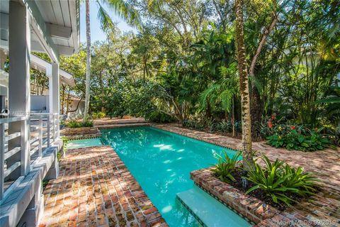 Photo of 5600 Oakwood Ln, Coral Gables, FL 33156