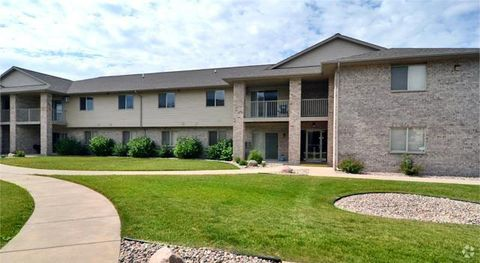 Photo of 560 S Huron Rd, Green Bay, WI 54311