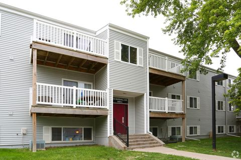 1106 Marshall Ave, Council Bluffs, IA 51503