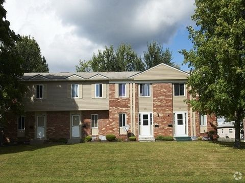 4661 New Hampshire Ct, Youngstown, OH 44515