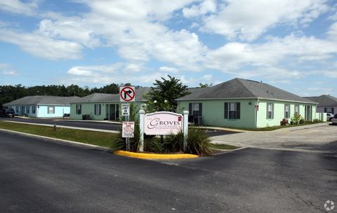 Photo of 5316 Sun Paradise Ct, Wimauma, FL 33598