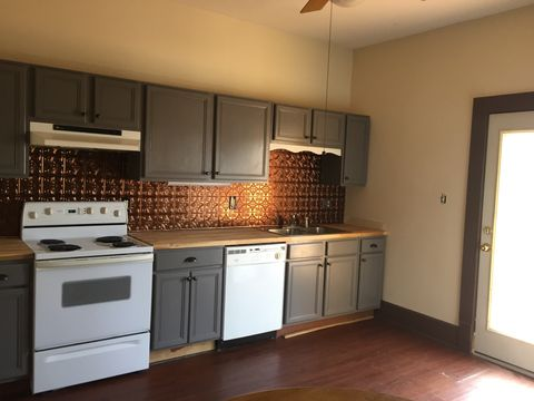 Photo of 920 Stewart St Apt 2, Knoxville, TN 37917