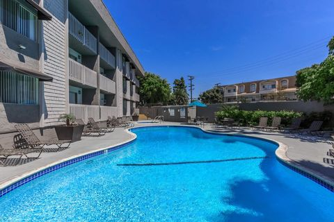 Photo of 5025 E Pacific Coast Hwy, Long Beach, CA 90804