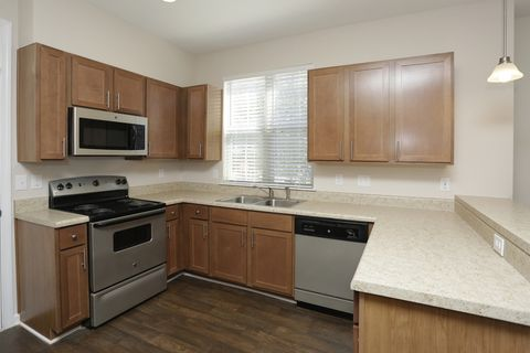 Reflection Pointe Belmont Nc Apartments For Rent Realtor Com