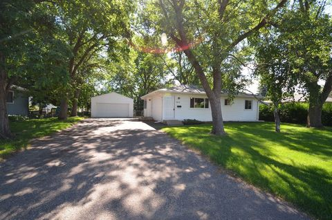 Photo of 6978 Delaney Ave, Inver Grove Heights, MN 55076
