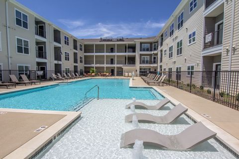 Photo of 6725 Circle S Rd, Austin, TX 78745
